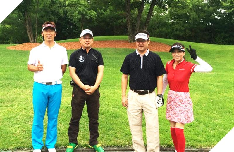 大阪のゴルフスクール「イーグルゴルフ」のプラウンドレッスンの様子